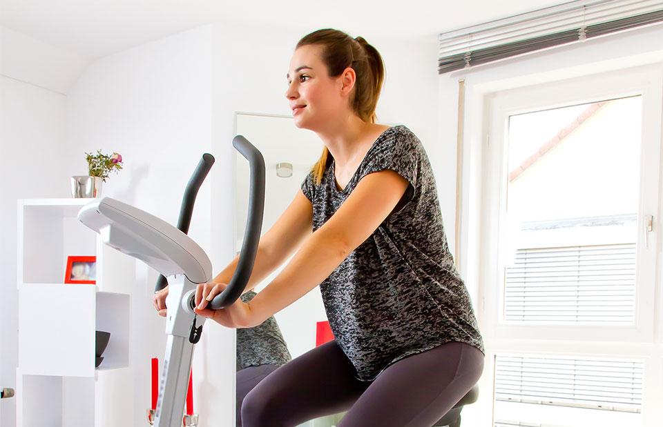 Speq Home Fitness Ergometer Zuhause Fahrrad fahren